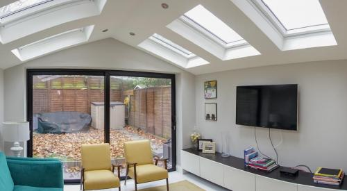 Bright extension design