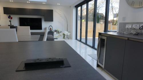 Kitchen with discreet sockets