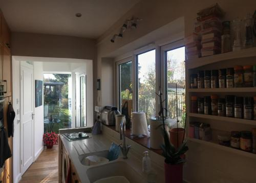 small kitchen extension in barnet